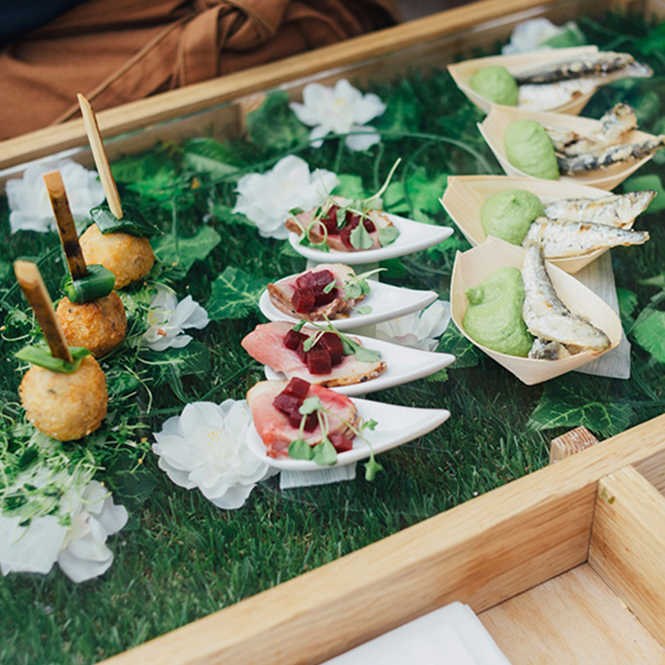 Syrencot has expert caterers on site to make sure your wedding venue is delicious